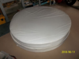 Round bed mattress and boxspring