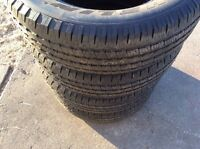Like new Michelin P236/65R17