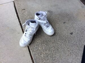 All white mid Air Force 1