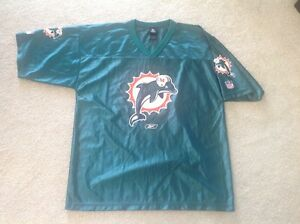 NEW... Miami DOLPHINS... Football Jersey...size L