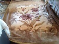 Son sor luxury Double size blanket good condition £15