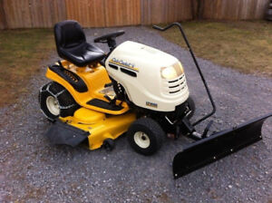 CUB CADET LAWN TRACTOR*23HP/50''CUT WITH NEW SNOW PLOW & CHAINS
