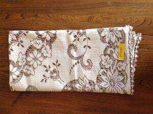 4 Matching Lace Tablecloths London Ontario image 6