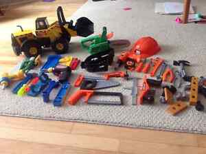 Toy tools/construction items