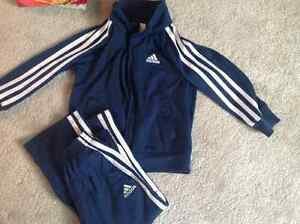 Size 3 Name brand matching outfits Cambridge Kitchener Area image 5