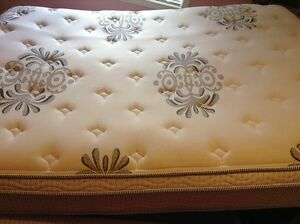 Queen Size Koil Comfort Mattress - Almost New/Delivery Included