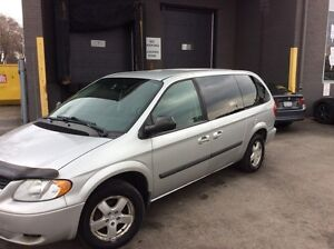 2006 Dodge grand Caravan ETESTED certified DVD LIKE NEW