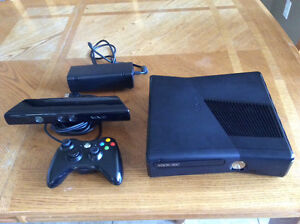 Xbox 360 S Kinect PLUS 10 GAMES