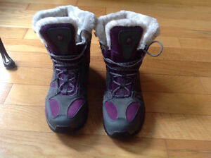 Ladies Merrell Winter Boots Size 10
