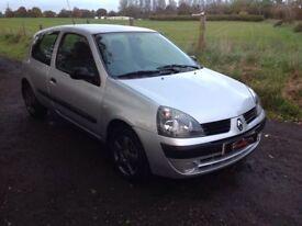 24/7 Trade sales NI Trade prices for the public 2006 Renault Clio 1.2 Campus Silver 3 door low miles