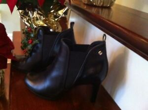 Ladies High quality leather boots size 5