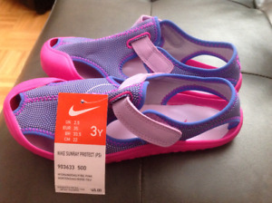 Water Shoes Size 3 Youth, brand new