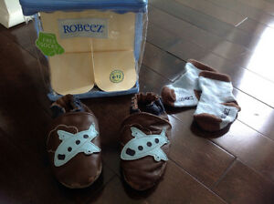 ROBEEZ BABY BOY AIRPLANE SOFT SOLES - 6-12 MONTHS