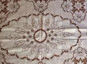 4 Matching Lace Tablecloths London Ontario image 8
