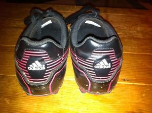 Soccer shoes. Adidas. Youth size 4 London Ontario image 2