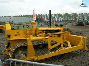 Caterpillar D4 parts for sale and looking for parts