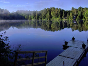 Beautiful lakefront cottage perfect for two, 25 min from Ottawa