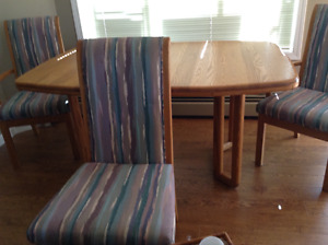 Dining table ***Price reduced $75 OBO