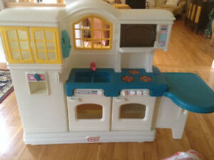 Large Little Tikes Fisher Price Kitchen & Accessories
