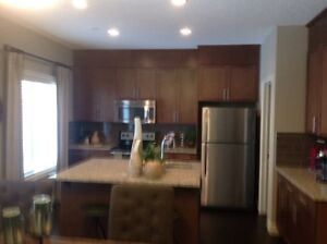 Town house 1700 sq/ft Magrath area