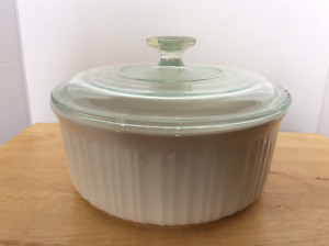 CorningWare French White Stoneware 2.5 quart round baking dish