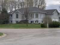 Beautiful Executive Home For Rent In the Airport Area!