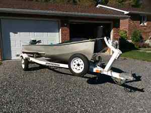 Traveler alumin. 14 ft fishing boat with 7.5 hp Evinrude motor