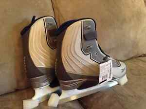 Size 7 skates 50$ obo