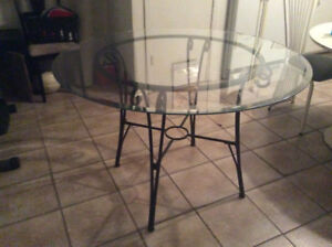 Table ronde en verre pour cuisine