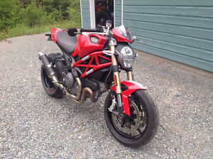 Ducati 1100 Monster 2012 with ABS. Only 4000KMS Like New