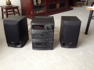 JVC Compact Audio Mini-System with radio and CD player