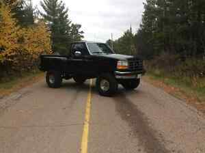 1995 Ford F-150 Xlt Pickup Truck lifted