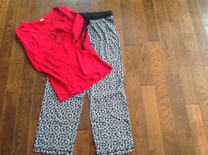 Pyjamas Women's brand new Lord and Taylor pj's size med