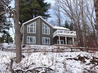4 Season Riverfront Cottage for Rent! (Winter & Spring Pricing)