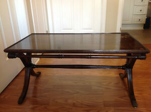 Antique Table Cornwall Ontario image 1