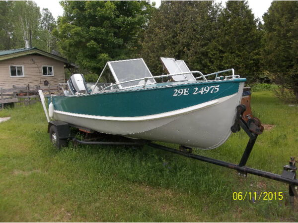Used 1980 Peterborough/Alcan 18 foot Aluminum 70 hp Evinrude