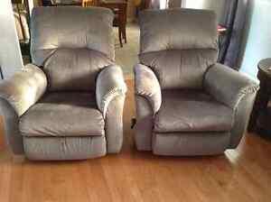 Deux fauteuils inclinables La-z-boy