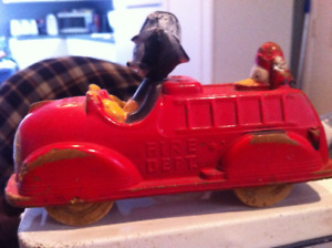 MICKEY MOUSE /DONALD DUCK FIRE TRUCK