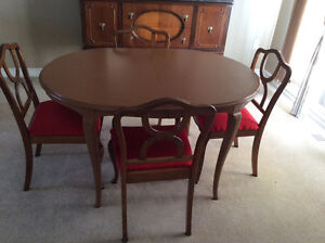 Solid Wood Dining Table + 2 Extensions, 4-Chairs Reconditioned Kitchener / Waterloo Kitchener Area image 2