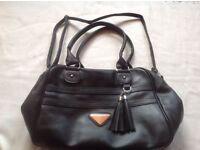 Ladies shoulder handbag black colour used £2