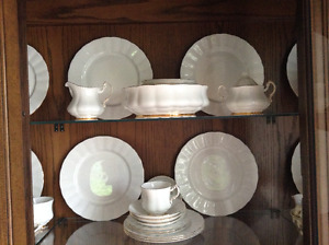 Paragon Bone China - 8 place serving set - excellent condition