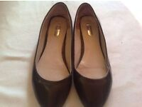Dorothy Perkins ladies flats shoes size: 7 used £3