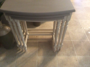 3 stacking/nesting tables
