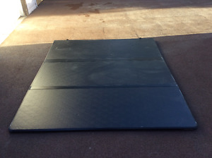 Tonneau Cover - Solid Trifold