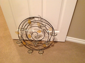 Round wall candle holder