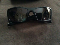 Black Gascan Oakley Sunglasses WIth Case!!!