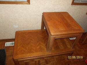 Beautiful coffee table and end table + coffee table