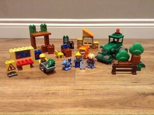 Lego duplo Bob the build and characters only $40