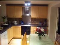 Spacious 4 double bed garden flat available - 5 mins walk from Fulham Broadway