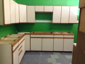 Complete kitchen uppers and lowers